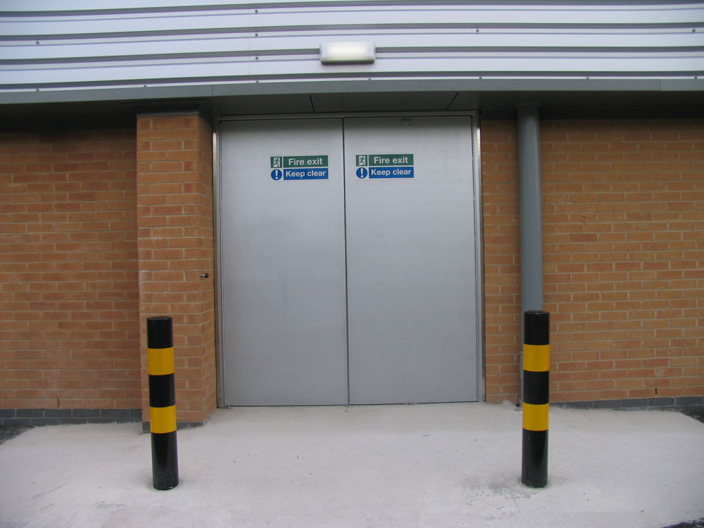 Industrial Steel Hinged Doors with Protection Posts